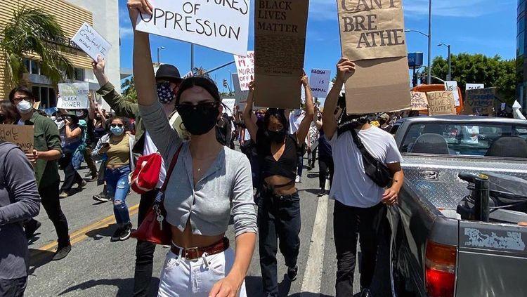 Foto: Aksi Selebriti Turun ke Jalan Protes Kematian George Floyd