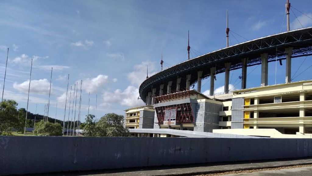 Wajah Stadion Palaran yang Tak Lagi Rupawan