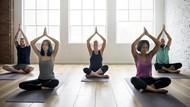 Jaga Tubuh Tetap Fit, Yuk Ikut Yoga Virtual Bareng Tio Rosaline