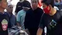 Cool Box Sampel Pasien COVID-19 Dijarah Warga di Makassar
