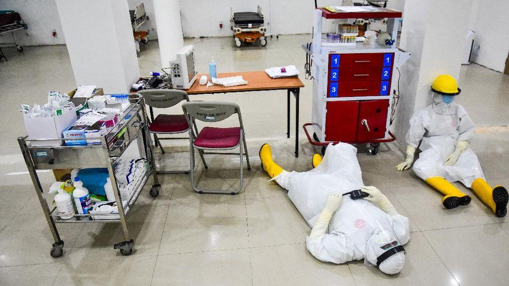 Tak Kenal Lelah, Begini Perjuangan Nakes di Tengah Pandemi