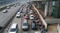 Hari Ini Transisi PSBB DKI Dimulai, Jalan Gatot Soebroto Macet