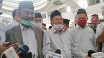 JK: Salat Jumat di Masjid Al Azhar Tertib, Tak Ada yang Rapat-Pakai Masker