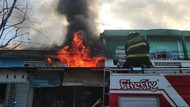 Kebakaran Ruko Penjualan Motor di Maros, Penyebab Diduga Korsleting Listrik