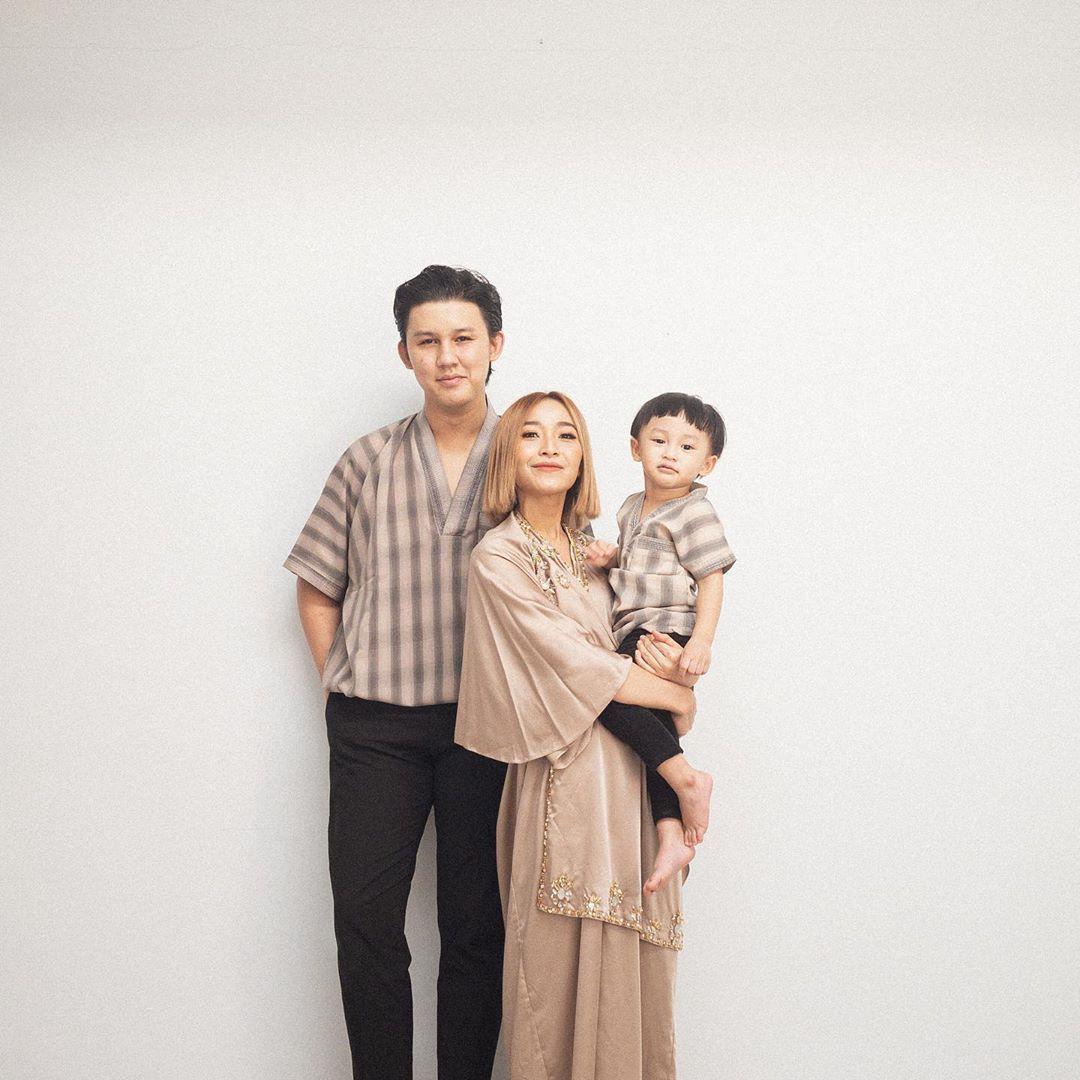 Keluarga Rinni Wulandari