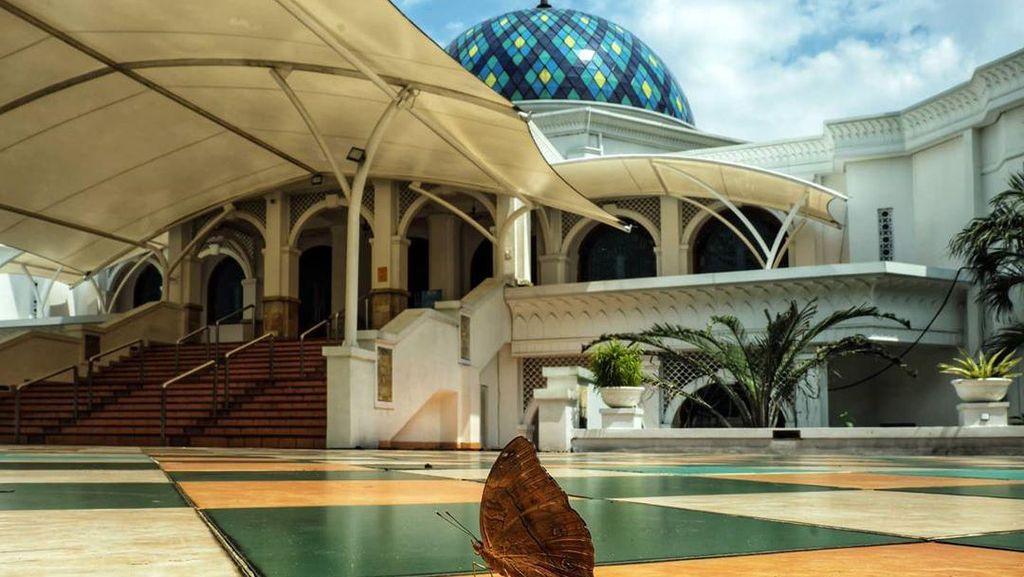 Masjid Al Bina GBK Juga Dibuka untuk Salat Jumat