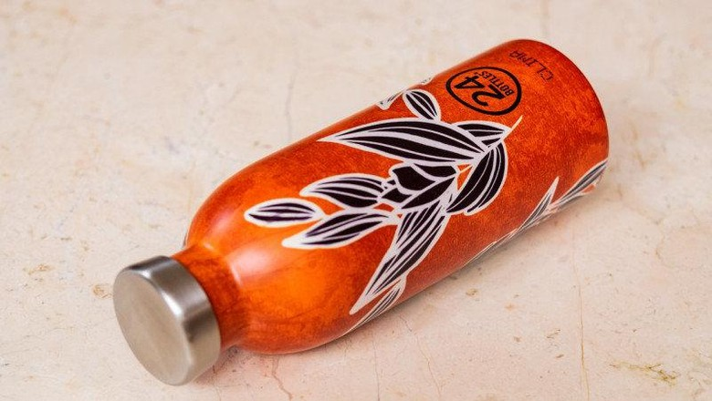 motif batik di 24 bottles