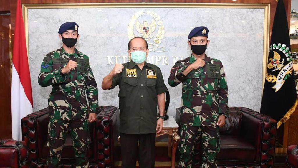 Wakil Ketua MPR Puji Prajurit TNI AL yang Beri THR ke Warga