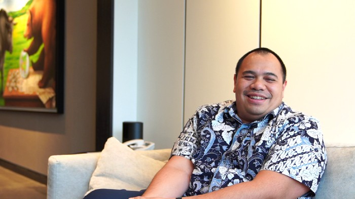 Direktur Toba Bara, Pendiri Indies Capital, VC Ventures, Presiden Komisaris SEA Group Indonesia, Shopee, Dewan Komisaris Gojek, Bukalapak