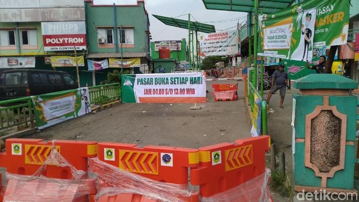 Pasar Cileungsi beroperasi dengan jam terbatas (Sachril Agustin Berutu/detikcom)