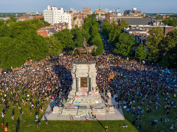 Mandatory Credit: Photo by Steve Helber/AP/Shutterstock (10667306f)