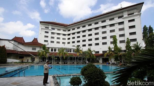 Semua sudut hotel dilakukan pembersihan atau sterilisasi.