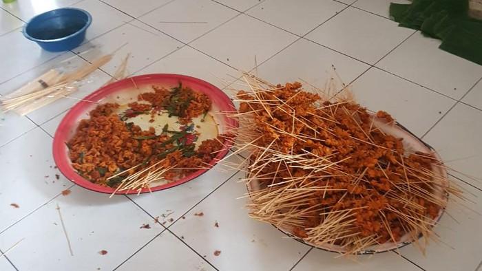 Polisi tengah melakukan penyelidikan terhadap penjual sate yang diiduga menggunakan daging busuk di Aceh Besar