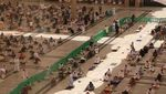Ratusan Ribu Orang Salat Jumat Pertama di Masjid Nabawi