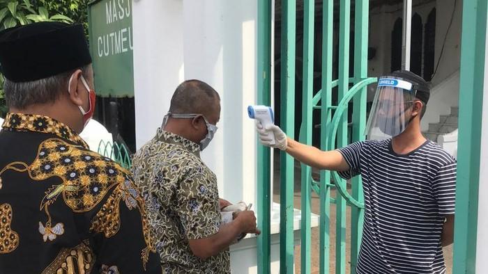Salat Jumat di Masjid Cut Meutia Jakarta
