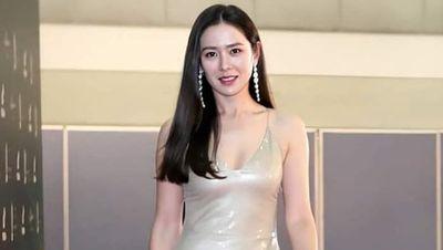 Pesona Son Ye Jin di Baeksang Arts Awards 2020, Anggun dan Seksi bak Dewi