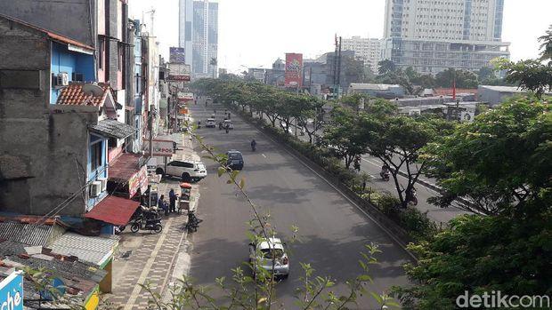 Suasana lalu lintas di Jalan Margonda Raya, Depok