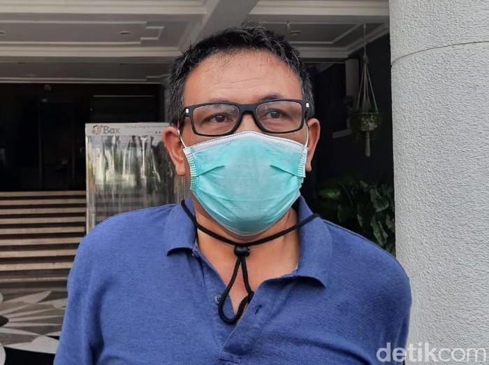Pemkot Surabaya dan BIN akan menggelar rapid test massal bagi seluruh karyawan PDAM Surya Sembada. Rapid test digelar setelah tiga karyawan dinyatakan positif Corona.