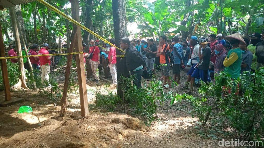 Mayat Wanita Tertutup Jerami dan Pria Gantung Diri di Ngawi yang Jadi Teka-teki