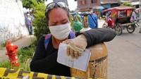 Tangisan Warga Peru yang Kekurangan Tabung Oksigen untuk Pasien Corona