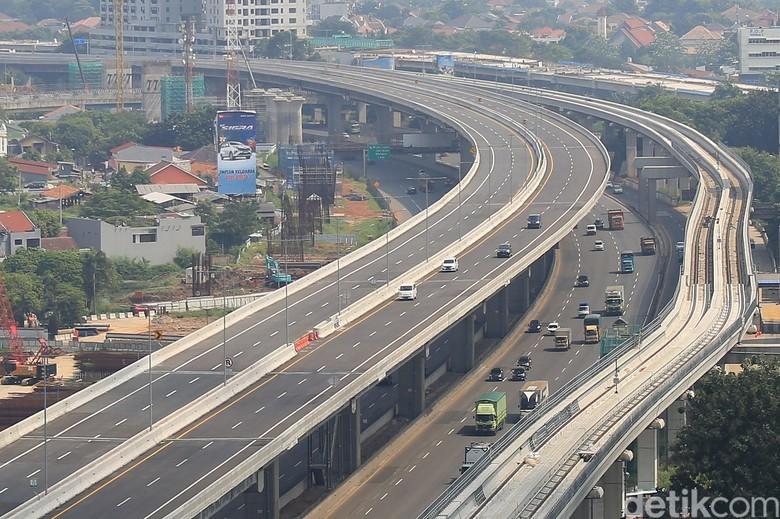 PT Jasa Marga (Persero) Tbk kembali membuka Jalan Tol Jakarta-Cikampek II (elevated). Pembukaan jalan tol itu dilakukan secara bertahap.