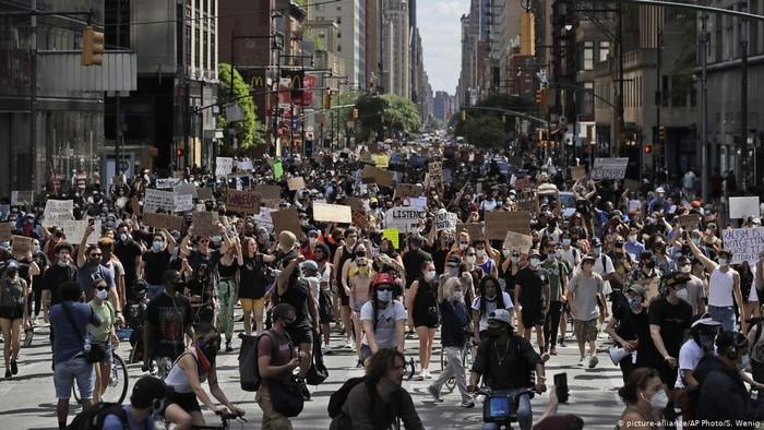 AS Cabut Jam Malam, Pejabat Kota Janjikan Reformasi Polisi Setelah Protes George Floyd