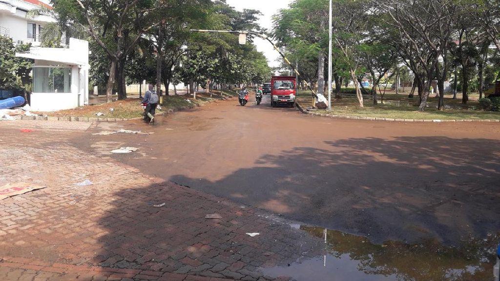 Banjir Rob di Komplek Pantai Mutiara Jakut Surut