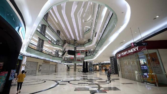 Mal di Jakarta akan kembali dibuka Senin, 15 Juni mendatang. Sejumlah mal pun telah melakukan persiapan protokol kesehatan.