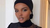 Model Hijab Halima Aden Dikritik karena Tulis Alhamdulillah Jadi Alxamdulillah