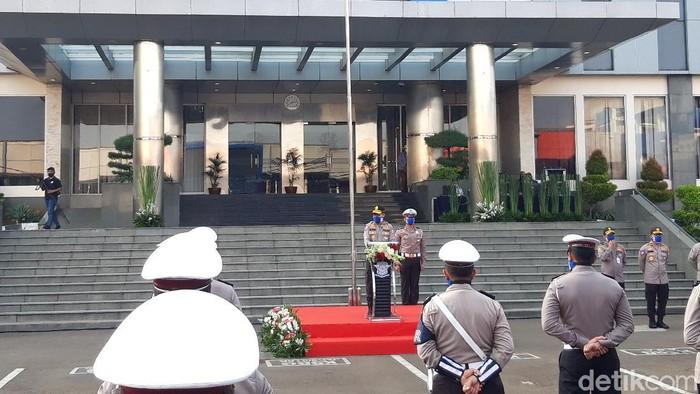 Kakorlantas Irjen Istiono pimpin apel penutupan operasi ketupat 2020.