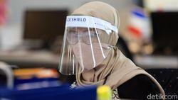 Pemerintah: Face Shield Tanpa Masker Ibarat Pakai Payung Tanpa Jas Hujan