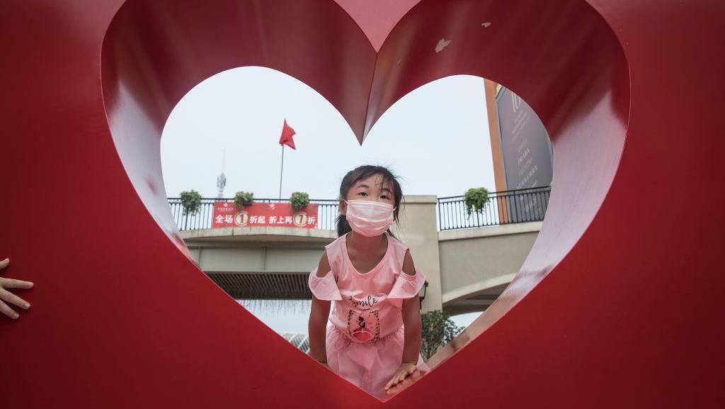 Kembalinya Keceriaan Anak-anak di Wuhan