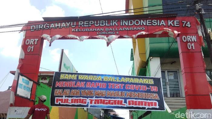 Sejumlah warga di Makassar menolak rapid test virus Corona (COVID-19) (Hermawan-detikcom).
