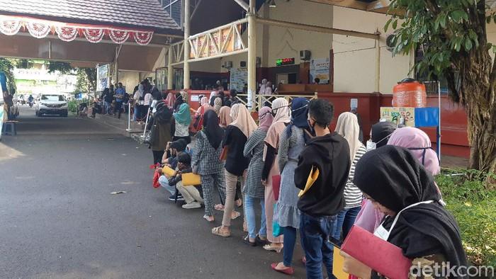 Antre Kartu Kuning di Disnaker Kota Serang