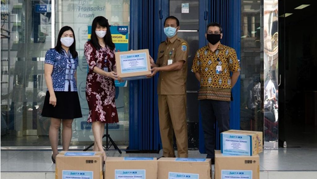 Atasi COVID-19 di Kalimantan Utara, BCA Sumbang APD ke RSUD Tarakan