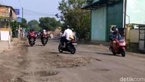 Waspada! Jalan Rusak di Sukabumi Ini Rawan Kecelakaan
