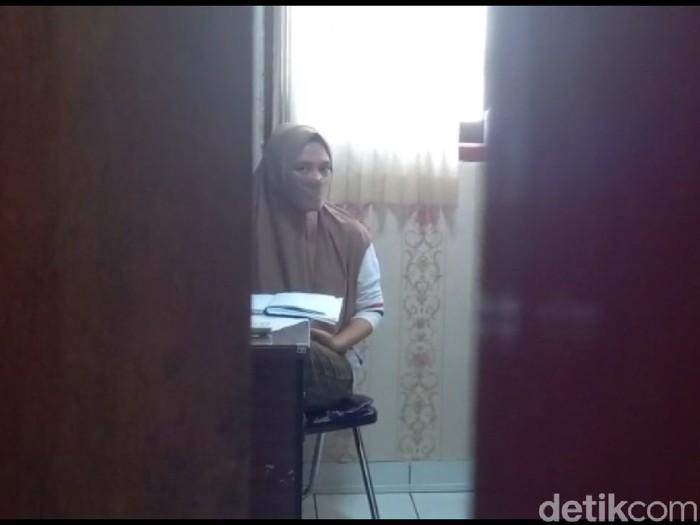 Karyawati bank di Kota Tegal gelapkan uang nasabah hingga miliaran, Selasa (9/6/2020).