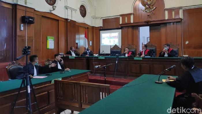 pengadilan negeri surabaya