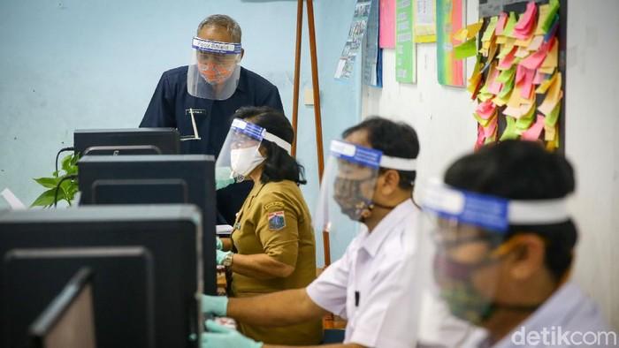 Pra Pendaftaran Panitia Penerimaan Peserta Didik Baru (PPDB) DKI Jakarta akan dimulai pada, Kamis (11/9). Nah, seperti apa sih persiapannya?
