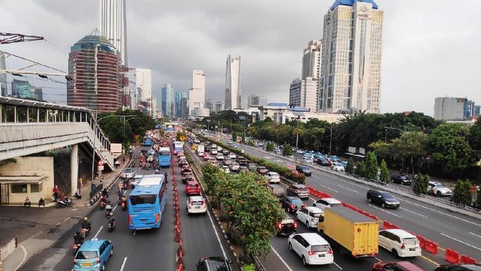 Situasi lalu lintas di Simpang Semanggi