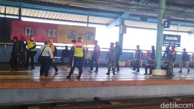 Situasi Stasiun Juanda Pagi Ini