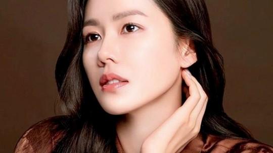 Son Ye Jin Wanita Tercantik Sedunia, Lagi Mancing Aja Tetap Cetar