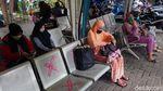 Terminal Kalideres Belum Dibuka, Calon Penumpang Gigit Jari