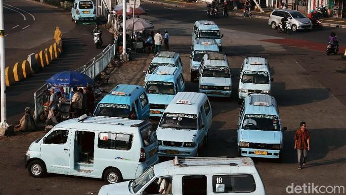 Kementerian Perhubungan akan meningkatkan kapasitas penumpang angkutan darat baik pribadi maupun umum. Nantinya penumpang yang bisa diangkut mencapai 75 persen.