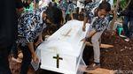 Pemakaman Benny Likumahuwa, Barry: Love You Paps, Nanti Kita Main Bareng Lagi