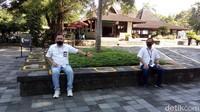 Di seluruh area Candi Borobudur pun telah dipasangi penanda untuk menjaga jarak antar pengunjung.