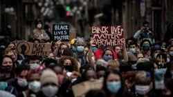 Protes Rasisme, Ribuan Orang di New Zealand Berlutut di Depan Konsulat AS