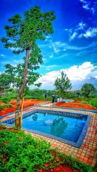 Tak hanya itu, di kawasan Bukit Mbah Garut dan Bukit Mbah Celeng nantinya juga terdapat masing-masing kolam renang. Kolam itu sumber airnya berasal dari mata air. Di Bukit Mbah Garut ada dua, di Bukit Mbah Celeng ada dua.