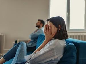 Suami Kepergok Ketemuan dengan Mantan Pacar, Masih Bisakah Dipercaya?