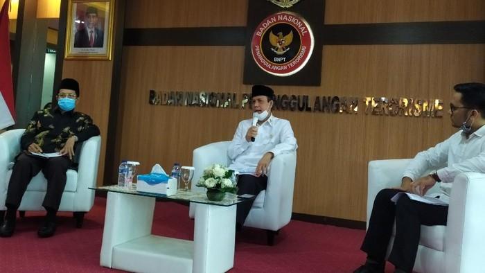 Kepala BNPT Komjen Boy Rafli Amar dalam diskusi